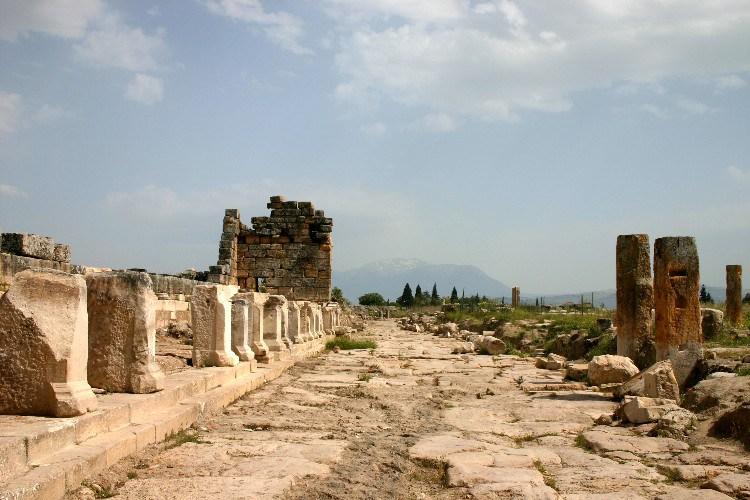 pamukk3 - Travel Photo: Ancient Roman City of Hierapolis